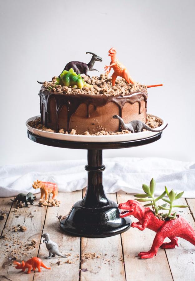 41 Best Homemade Birthday Cake Recipes - Chocolate Chips Ahoy Dinosaur Cake - Birthday Cake Recipes From Scratch, Delicious Birthday Cake Recipes To Make, Quick And Easy Birthday Cake Recipes, Awesome Birthday Cake Ideas http://diyjoy.com/best-birthday-cake-recipes
