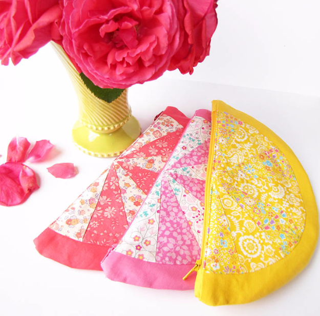 Quick DIY Gifts You Can Sew - Citrus Wedge Pouch - Best Sewing Projects for Gift Giving and Simple Handmade Presents - Free Patterns and Easy Step by Step Tutorials for Home Decor, Baby, Women, Kids, Men, Girls http://diyjoy.com/quick-diy-gifts-sew