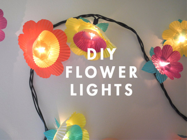 42 DIY Room Decor for Girls - Cupcake Flower Lights - Awesome Do It Yourself Room Decor For Girls, Room Decorating Ideas, Creative Room Decor For Girls, Bedroom Accessories, Cute Room Decor For Girls
