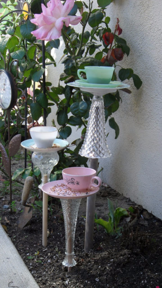 DIY Projects With Old Plates and Dishes - DIY 10 Minute Teacup Bird Feeder - Creative Home Decor for Rustic, Vintage and Farmhouse Looks. Upcycle With These Best Crafts and Project Tutorials #diy #kitchen #crafts