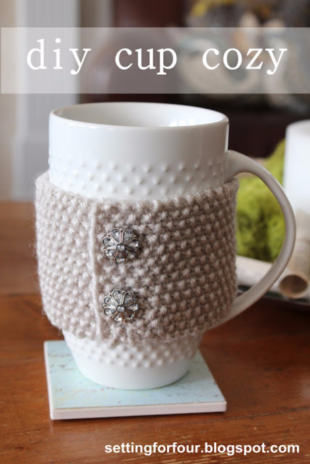 32 Easy Knitted Gifts - DIY Cup Cozy - Last Minute Knitted Gifts, Best Knitted Gifts For Anyone, Easy Knitted Gifts To Make, Knitted Gifts For Friends, Easy Knitting Patterns For Beginners, Quick Knitting Ideas #knitting #gifts #diygifts
