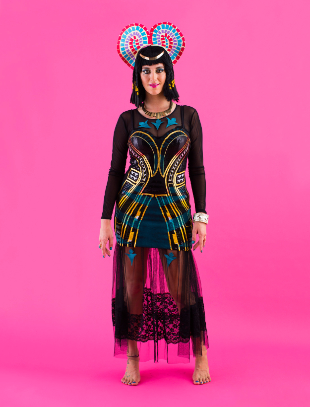 Best DIY Halloween Costume Ideas - DIY Dark Horse Katy Perry Costume - Do It Yourself Costumes for Women, Men, Teens, Adults and Couples. Fun, Easy, Clever, Cheap and Creative Costumes That Will Win The Contest