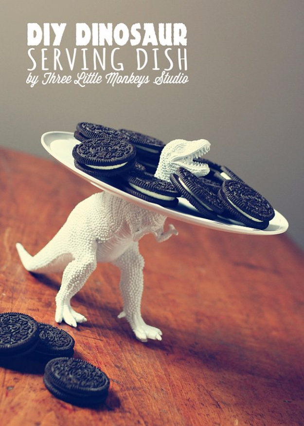 33 Cool DIYs With Spray Paint - DIY Dinosaur Serving Dish - Easy Spray Paint Decor, Fun Do It Yourself Spray Paint Ideas, Cool Spray Paint Projects To Try, Upcycled And Repurposed, Restore Old Items With Spray Paint
