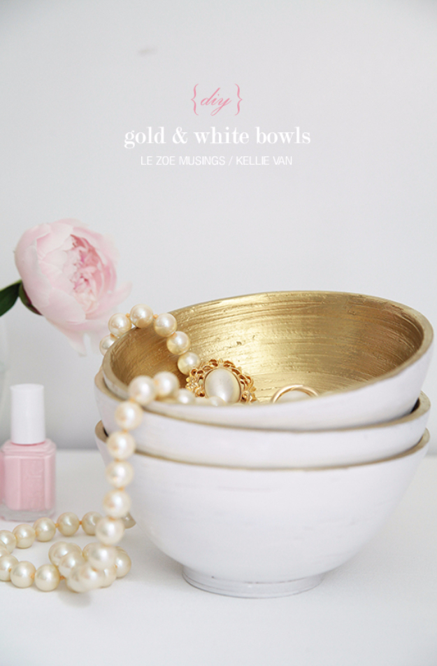 33 Cool DIYs With Spray Paint - DIY Gold And White Bowls - Easy Spray Paint Decor, Fun Do It Yourself Spray Paint Ideas, Cool Spray Paint Projects To Try, Upcycled And Repurposed, Restore Old Items With Spray Paint