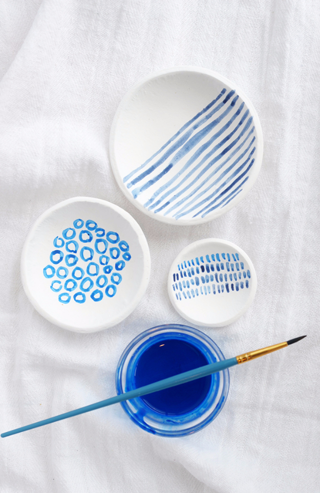 DIY Projects With Old Plates and Dishes - DIY Hand Painted Indigo Clay Bowls - Creative Home Decor for Rustic, Vintage and Farmhouse Looks. Upcycle With These Best Crafts and Project Tutorials #diy #kitchen #crafts
