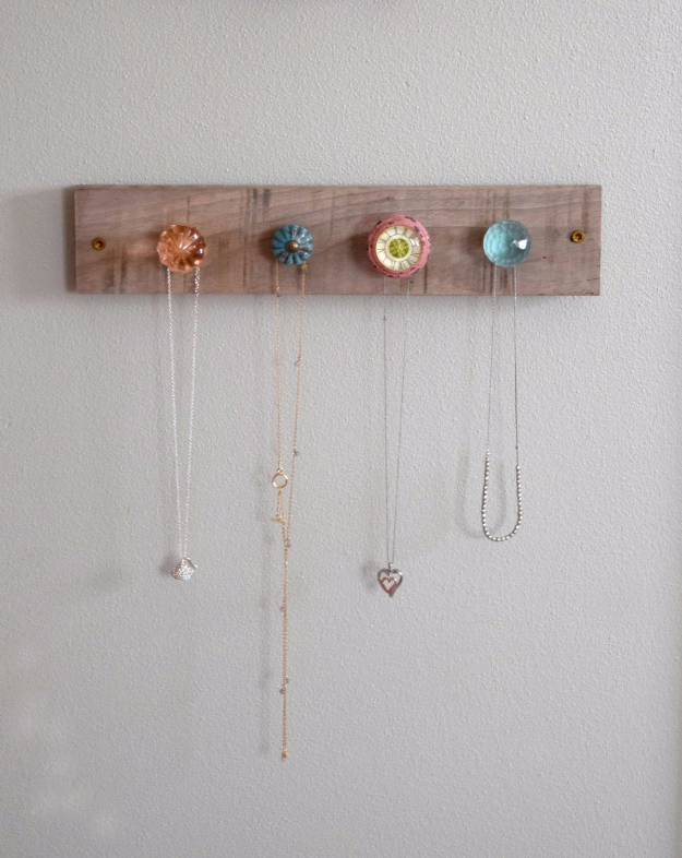 42 DIY Room Decor for Girls - DIY Jewelry Wall Display - Awesome Do It Yourself Room Decor For Girls, Room Decorating Ideas, Creative Room Decor For Girls, Bedroom Accessories, Cute Room Decor For Girls