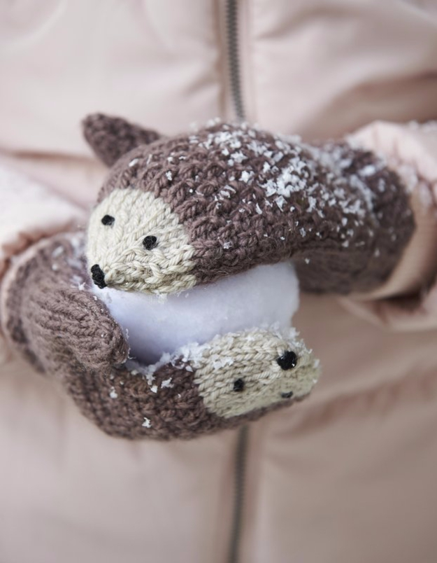38 Easy Knitting Ideas -DIY Knitted Hedgehog Mittens - DIY Knitting Ideas For Beginners, Cute Knit Projects, Knitting Ideas And Patterns, Easy Knitting Crafts, Gifts You Can Knit#diy #knitting
