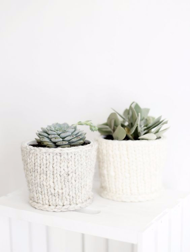 32 Easy Knitted Gifts - DIY Knit Planter Cover - Last Minute Knitted Gifts, Best Knitted Gifts For Anyone, Easy Knitted Gifts To Make, Knitted Gifts For Friends, Easy Knitting Patterns For Beginners, Quick Knitting Ideas #knitting #gifts #diygifts