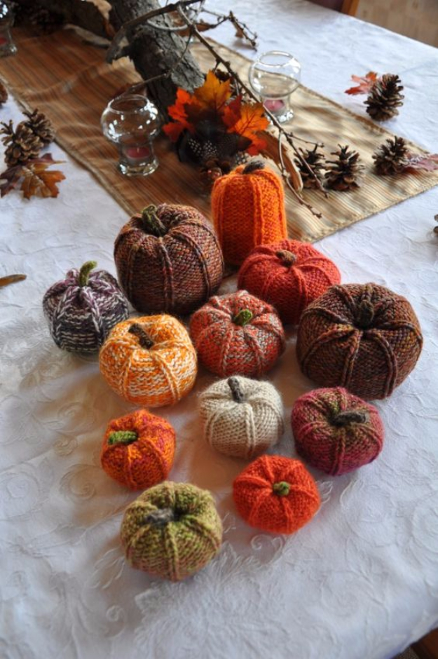 38 Easy Knitting Ideas -Knit Pumpkins- DIY Knitting Ideas For Beginners, Cute Knit Projects, Knitting Ideas And Patterns, Easy Knitting Crafts, Gifts You Can Knit#diy #knitting