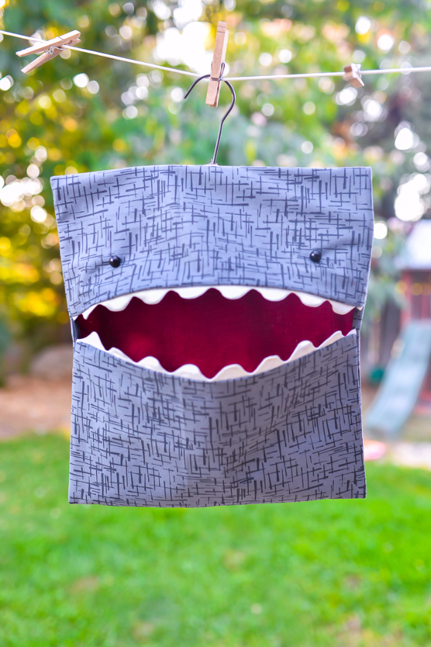 Quick DIY Gifts You Can Sew - DIY Shark Clothespin Bag - Best Sewing Projects for Gift Giving and Simple Handmade Presents - Free Patterns and Easy Step by Step Tutorials for Home Decor, Baby, Women, Kids, Men, Girls http://diyjoy.com/quick-diy-gifts-sew