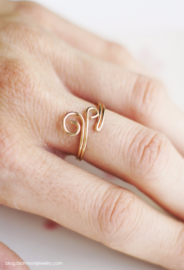 DIY Gifts for Mom - DIY Swirl Ring - Best Craft Projects and Gift Ideas You Can Make for Your Mother - Last Minute Presents for Birthday and Christmas - Creative Photo Projects, Bath Ideas, Gift Baskets and Thoughtful Things to Give Mothers and Moms #diygifts #giftsformom