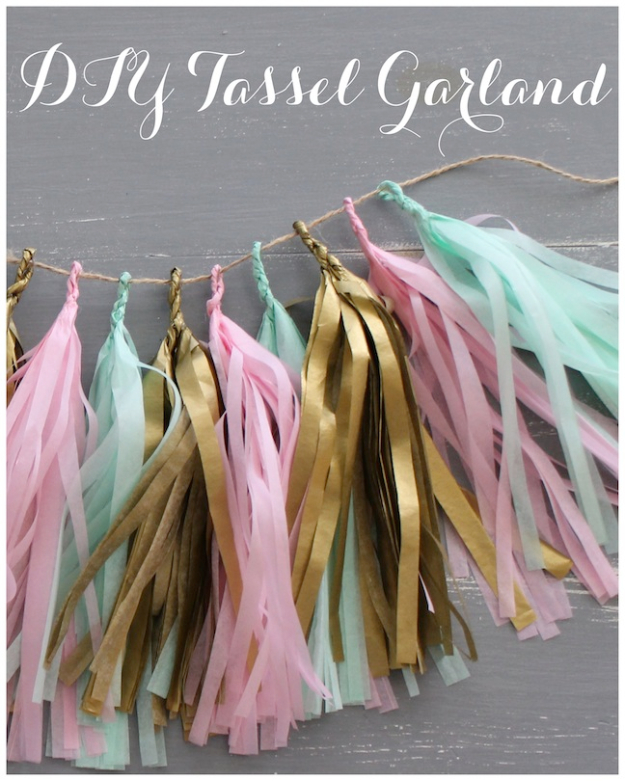 42 DIY Room Decor for Girls - DIY Tassel Garland - Awesome Do It Yourself Room Decor For Girls, Room Decorating Ideas, Creative Room Decor For Girls, Bedroom Accessories, Cute Room Decor For Girls