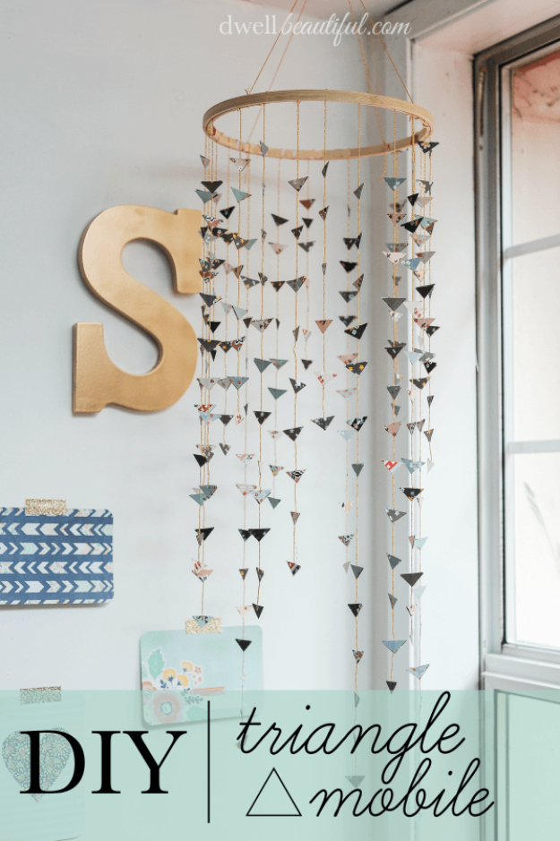 DIY Room Decor for Girls - DIY Triangle Mobile - Awesome Do It Yourself Room Decor For Girls, Room Decorating Ideas, Creative Room Decor For Girls, Bedroom Accessories, Cute Room Decor For Girls