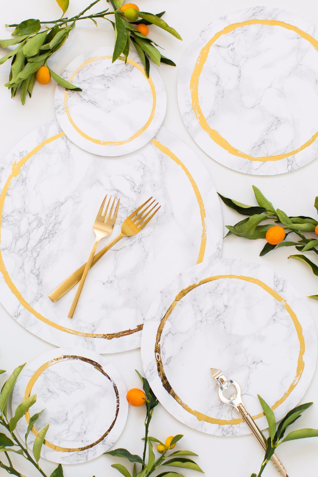 DIY Projects With Old Plates and Dishes - Decorative DIY Marble Plates - Creative Home Decor for Rustic, Vintage and Farmhouse Looks. Upcycle With These Best Crafts and Project Tutorials #diy #kitchen #crafts