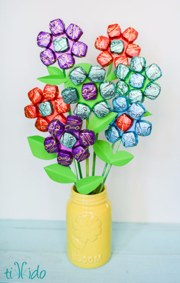 DIY Gifts for Mom - Delicious Dark Chocolate Bouquet - Best Craft Projects and Gift Ideas You Can Make for Your Mother - Last Minute Presents for Birthday and Christmas - Creative Photo Projects, Bath Ideas, Gift Baskets and Thoughtful Things to Give Mothers and Moms http://diyjoy.com/diy-gifts-for-mom