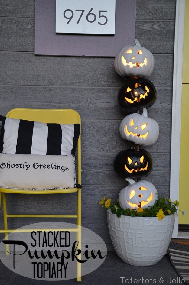 DIY Halloween Decorations - Easy Black and White Halloween Topiary - Best Easy, Cheap and Quick Halloween Decor Ideas and Crafts for Inside and Outside Your Home - Scary, Creepy Cute and Fun Outdoor Project Tutorials