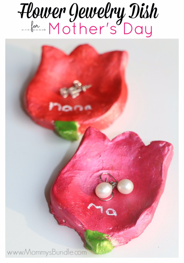 DIY Gifts for Mom - Jewelry Box - Best Craft Projects and Gift Ideas You Can Make for Your Mother - Last Minute Presents for Birthday and Christmas - Creative Photo Projects, Bath Ideas, Gift Baskets and Thoughtful Things to Give Mothers and Moms #diygifts #giftsformom