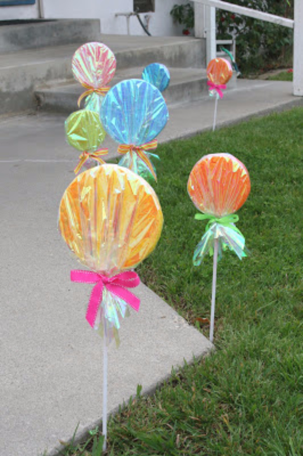 39 Easy DIY Party Decorations - Giant Lollipop Decorations - Quick And Cheap Party Decors, Easy Ideas For DIY Party Decor, Birthday Decorations, Budget Do It Yourself Party Decorations #diyparties #party #partydecor #parties