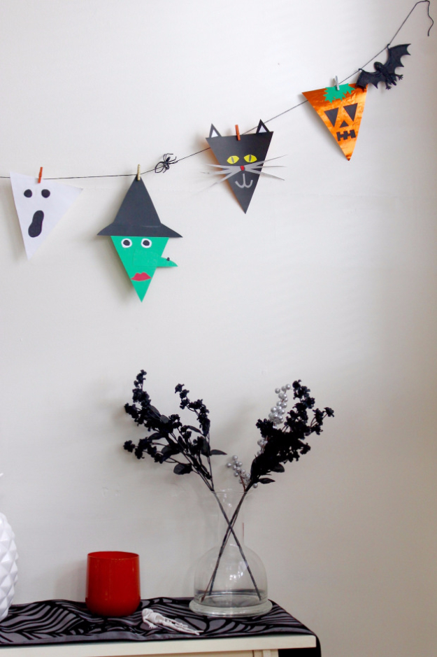DIY Halloween Decorations - Halloween Bunting Flags - Best Easy, Cheap and Quick Halloween Decor Ideas and Crafts for Inside and Outside Your Home - Scary, Creepy Cute and Fun Outdoor Project Tutorials http://diyjoy.com/cheap-diy-halloween-decorations