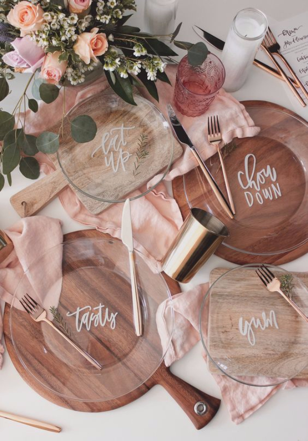 DIY Projects With Old Plates and Dishes - Hand Lettered Plate DIY - Creative Home Decor for Rustic, Vintage and Farmhouse Looks. Upcycle With These Best Crafts and Project Tutorials #diy #kitchen #crafts