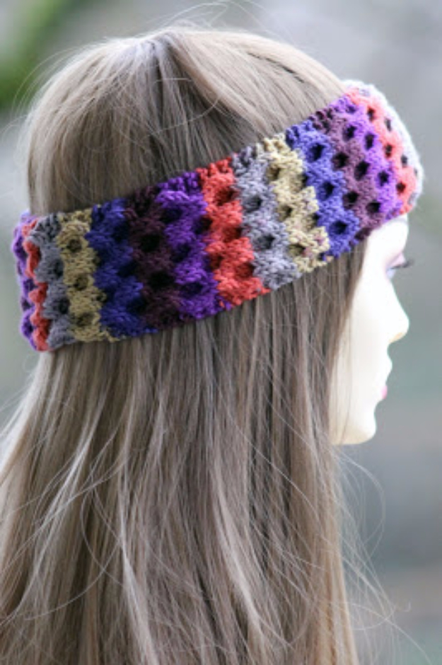 32 Easy Knitted Gifts - Honeycomb Headband - Last Minute Knitted Gifts, Best Knitted Gifts For Anyone, Easy Knitted Gifts To Make, Knitted Gifts For Friends, Easy Knitting Patterns For Beginners, Quick Knitting Ideas #knitting #gifts #diygifts