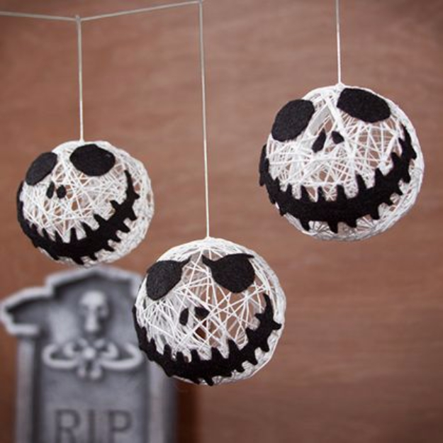 DIY Halloween Decorations - Jack Skellington Halloween String Garland - Best Easy, Cheap and Quick Halloween Decor Ideas and Crafts for Inside and Outside Your Home - Scary, Creepy Cute and Fun Outdoor Project Tutorials http://diyjoy.com/cheap-diy-halloween-decorations