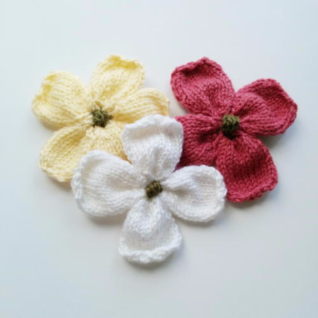 32 Easy Knitted Gifts - Knitted Dogwood Blossoms - Last Minute Knitted Gifts, Best Knitted Gifts For Anyone, Easy Knitted Gifts To Make, Knitted Gifts For Friends, Easy Knitting Patterns For Beginners, Quick Knitting Ideas #knitting #gifts #diygifts