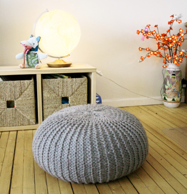 38 Easy Knitting Ideas - Knit Poof Stool Ottoman- DIY Knitting Ideas For Beginners, Cute Knit Projects, Knitting Ideas And Patterns, Easy Knitting Crafts, Gifts You Can Knit#diy #knitting