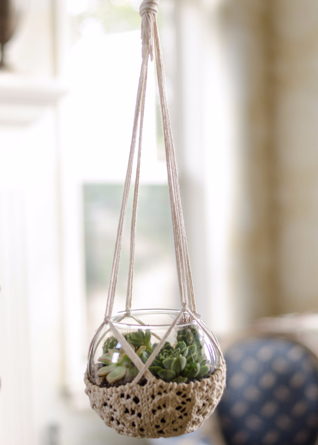 38 Easy Knitting Ideas -Knitted Terrarium Hanger- DIY Knitting Ideas For Beginners, Cute Kinitting Projects, Knitting Ideas And Patterns, Easy Knitting Crafts, Gifts You Can Knit#diy #knitting