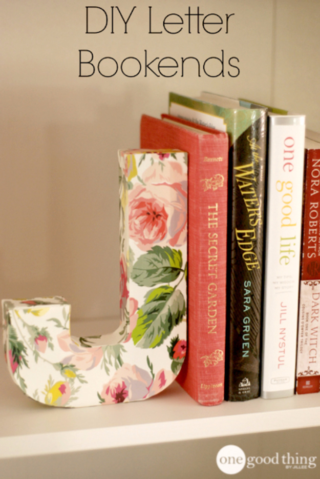 42 DIY Room Decor for Girls - Lovely DIY Letter Bookends - Awesome Do It Yourself Room Decor For Girls, Room Decorating Ideas, Creative Room Decor For Girls, Bedroom Accessories, Cute Room Decor For Girls