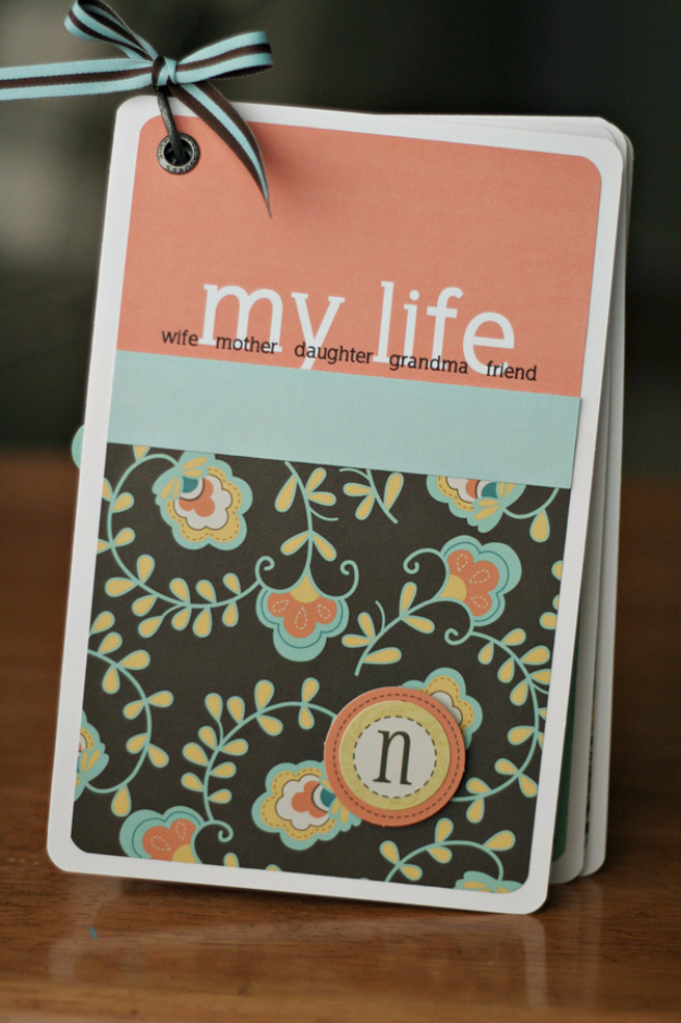 DIY Gifts for Mom - Mini Album Scrapbook - Best Craft Projects and Gift Ideas You Can Make for Your Mother - Last Minute Presents for Birthday and Christmas - Creative Photo Projects, Bath Ideas, Gift Baskets and Thoughtful Things to Give Mothers and Moms #diygifts #giftsformom