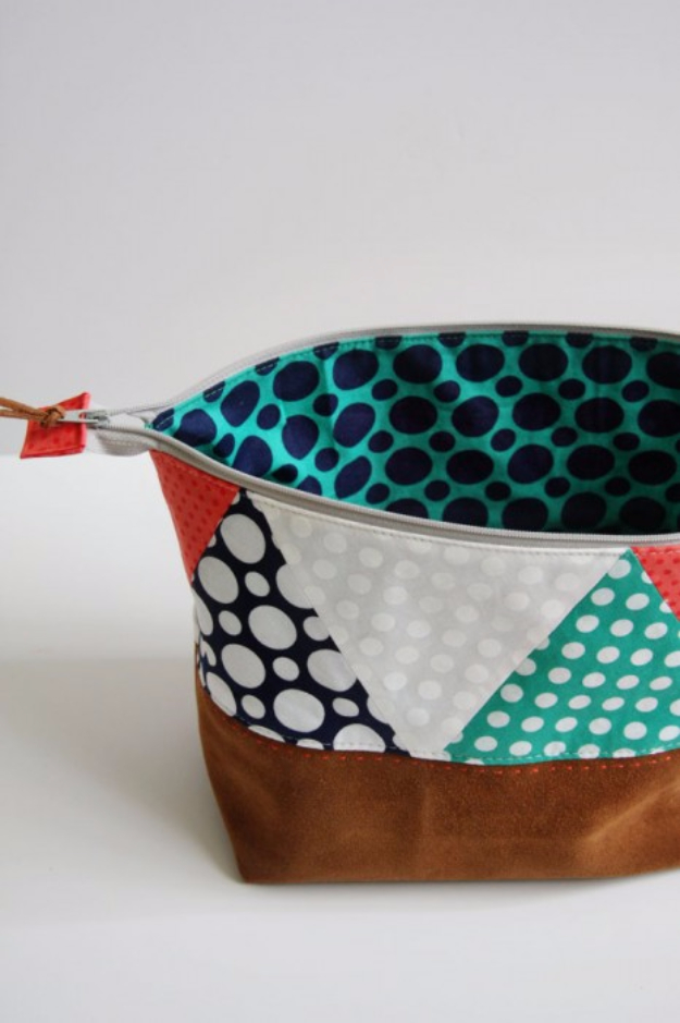 Quick DIY Gifts You Can Sew - Polka Dot Pouch - Best Sewing Projects for Gift Giving and Simple Handmade Presents - Free Patterns and Easy Step by Step Tutorials for Home Decor, Baby, Women, Kids, Men, Girls http://diyjoy.com/quick-diy-gifts-sew