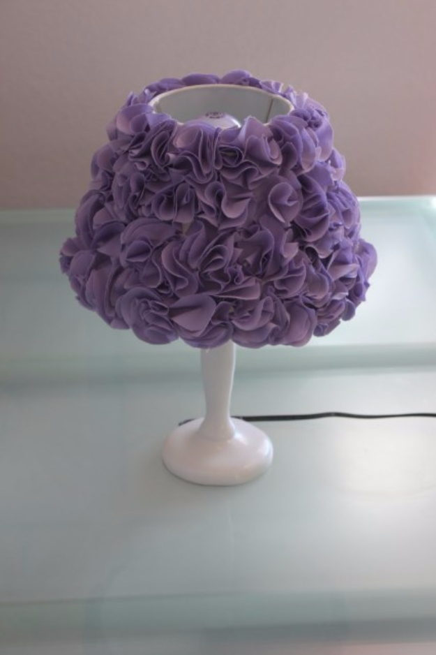 42 DIY Room Decor for Girls - Pom Pom Lamp Shade - Awesome Do It Yourself Room Decor For Girls, Room Decorating Ideas, Creative Room Decor For Girls, Bedroom Accessories, Cute Room Decor For Girls