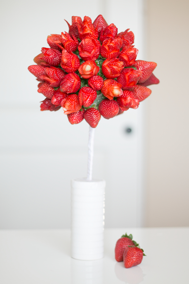39 Easy DIY Party Decorations - Strawberry Roses - Quick And Cheap Party Decors, Easy Ideas For DIY Party Decor, Birthday Decorations, Budget Do It Yourself Party Decorations #diyparties #party #partydecor #parties