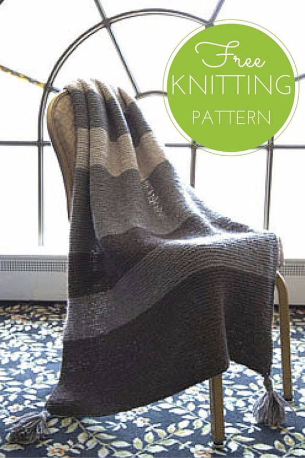 32 Easy Knitted Gifts - Striped Garter Throw - Last Minute Knitted Gifts, Best Knitted Gifts For Anyone, Easy Knitted Gifts To Make, Knitted Gifts For Friends, Easy Knitting Patterns For Beginners, Quick Knitting Ideas #knitting #gifts #diygifts