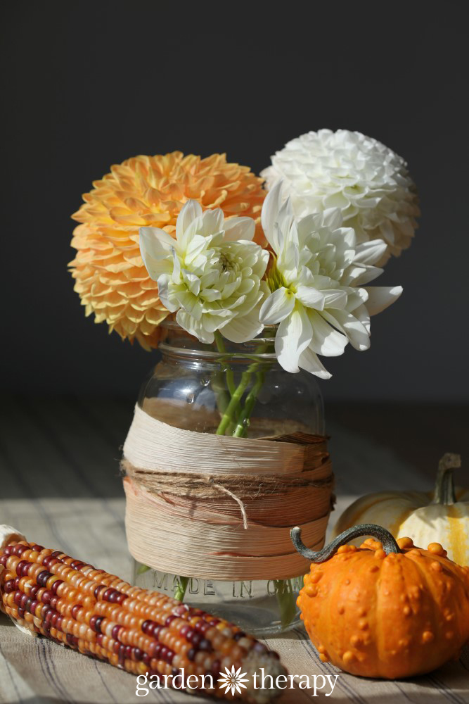 Best Mason Jar Crafts for Fall - corn husk - DIY Mason Jar Ideas for Centerpieces, Wedding Decorations, Homemade Gifts, Craft Projects with Leaves, Flowers and Burlap, Painted Art, Candles and Luminaries for Cool Home Decor http://diyjoy.com/mason-jar-crafts-fall