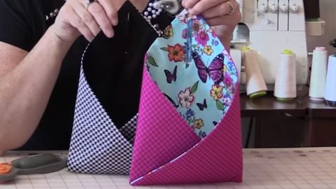 Sewing Tutorial : Over The Doorknob Pouches | DIY Joy Projects and Crafts Ideas