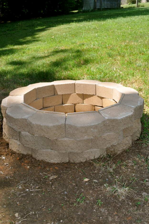 31 DIY Outdoor Fireplace and Firepit Ideas - DIY Joy on Diy Outdoor Fire id=99173