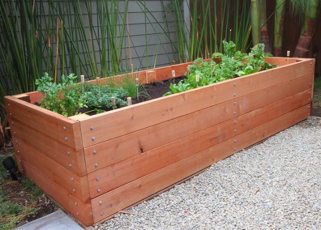 DIY Landscaping Hacks - Build A Raised Bed Planter - Easy Ways to Make Your Yard and Home Look Awesome in Fall, Winter, Spring and Fall. Backyard Projects for Beginning Gardeners and Lawns - Tutorials and Step by Step Instructions