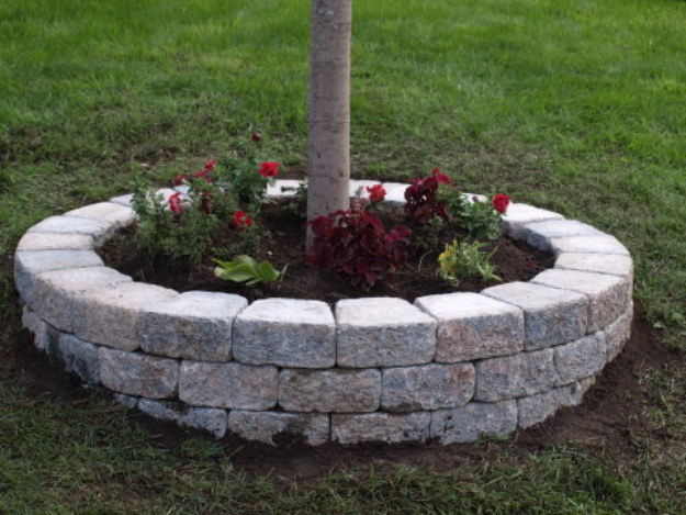 DIY Landscaping Hacks - Build A Retaining Wall Around A Tree - Easy Ways to Make Your Yard and Home Look Awesome in Fall, Winter, Spring and Fall. Backyard Projects for Beginning Gardeners and Lawns - Tutorials and Step by Step Instructions