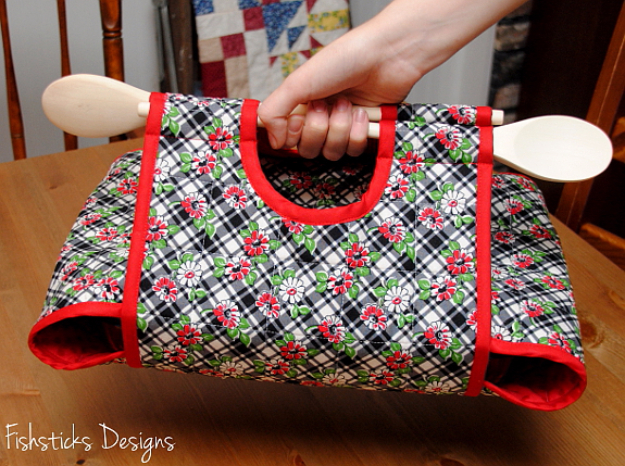 Best Quilting Projects for DIY Gifts - Casserole Carry All Quilt - Things You Can Quilt and Sew for Friends, Family and Christmas Gift Ideas - Easy and Quick Quilting Patterns for Presents To Give At Holidays, Birthdays and Baby Gifts. Step by Step Tutorials and Instructions