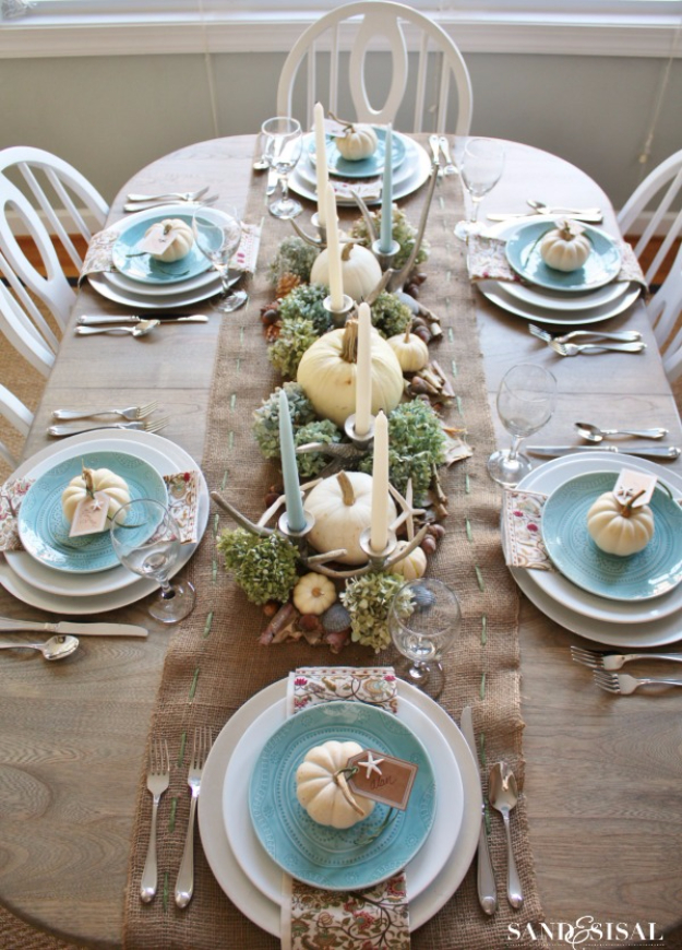 Best Thanksgiving Centerpieces and Table Decor - Coastal Thanksgiving Table - Creative Crafts for Your Thanksgiving Dinner Table. Mason Jars, Flowers, Leaves, Candles, Pumpkin Ideas #thanksgiving #diy