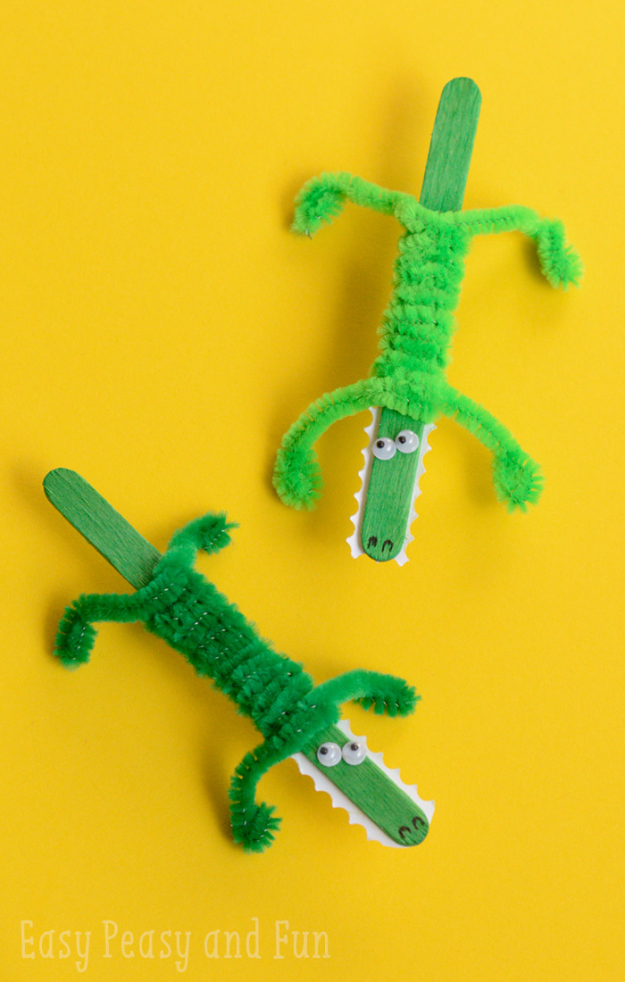 Crafts For Kids To Make At Home - Craft Stick Crocodile Craft - Cheap DIY Projects and Fun Craft Ideas for Children - Cute Paper Crafts, Fall and Winter Fun, Things For Toddlers, Babies, Boys and Girls #kidscrafts #crafts #kids
