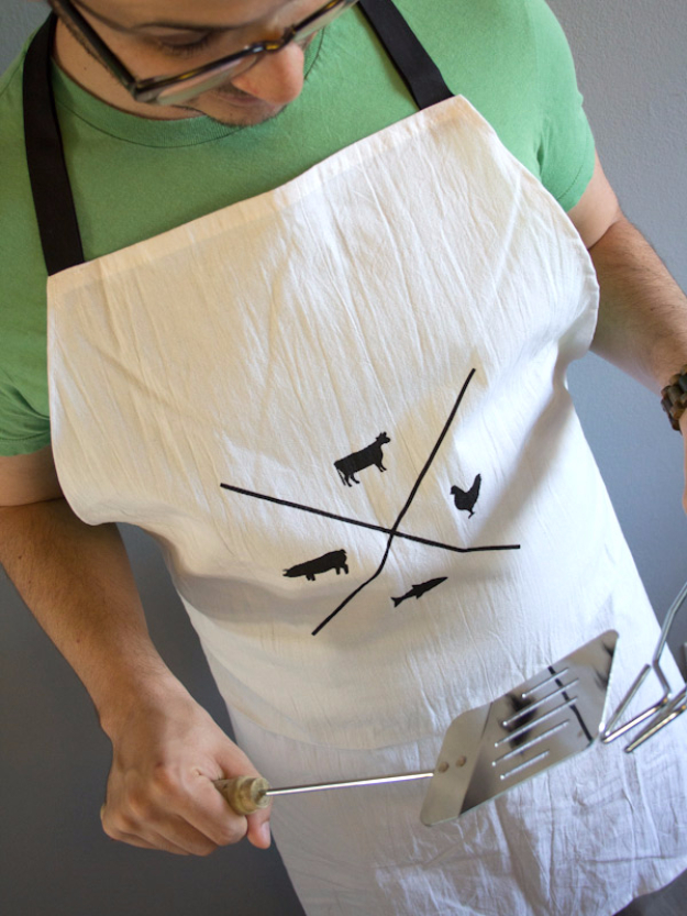 DIY Gifts for Dad - DIY Manly Man Apron - Best Craft Projects and Gift Ideas You Can Make for Your Father - Last Minute Presents for Birthday and Christmas - Creative Photo Projects, Gift Card Holders, Gift Baskets and Thoughtful Things to Give Fathers and Dads #diygifts #dad #dadgifts #fathersday