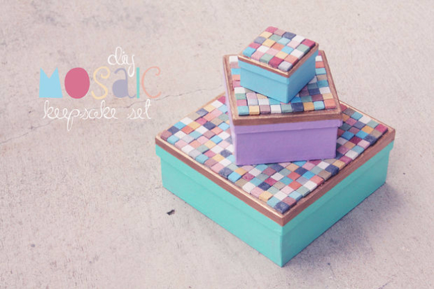 DIY Projects Made With Broken Tile - DIY Mosaic Keepsake Boxes - Best Creative Crafts, Easy DYI Projects You Can Make With Tiles - Mosaic Patterns and Crafty DIY Home Decor Ideas That Make Awesome DIY Gifts and Christmas Presents for Friends and Family http://diyjoy.com/diy-projects-broken-tile