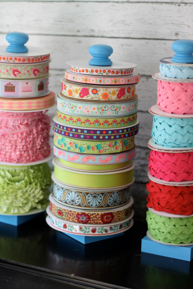 DIY Crafting Hacks - DIY Ribbon Storage - Easy Crafting Ideas for Quick DIY Projects - Awesome Creative, Crafty Ways for Dollar Store, Organizing, Yarn, Scissors and Pom Poms