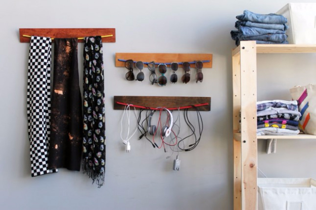 DIY Gifts for Dad - DIY Wooden Bungee Organizer - Best Craft Projects and Gift Ideas You Can Make for Your Father - Last Minute Presents for Birthday and Christmas - Creative Photo Projects, Gift Card Holders, Gift Baskets and Thoughtful Things to Give Fathers and Dads #diygifts #dad #dadgifts #fathersday