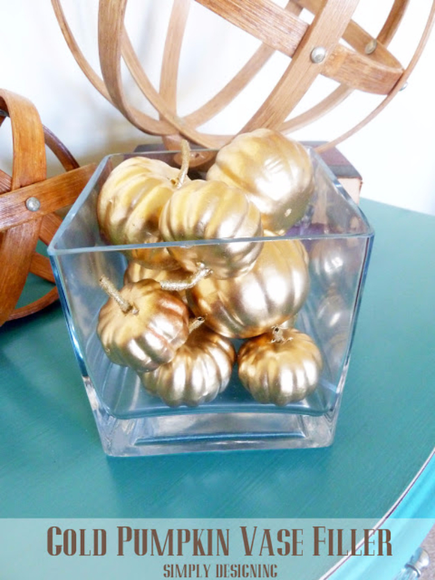 Best Thanksgiving Centerpieces and Table Decor - Gold Pumpkin Vase Filler - Creative Crafts for Your Thanksgiving Dinner Table. Mason Jars, Flowers, Leaves, Candles, Pumpkin Ideas #thanksgiving #diy