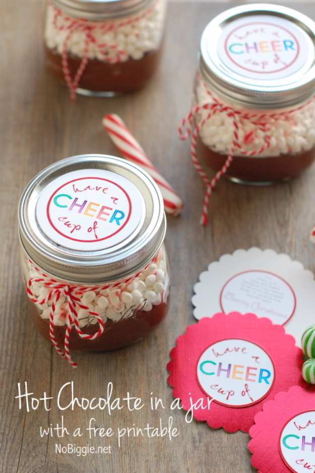 Best DIY Gifts in Mason Jars - Hot Chocolate In A Jar - Cute Mason Jar Crafts and Recipe Ideas that Make Great DIY Christmas Presents for Friends and Family - Gifts for Her, Him, Mom and Dad - Gifts in A Jar #diygifts #christmas
