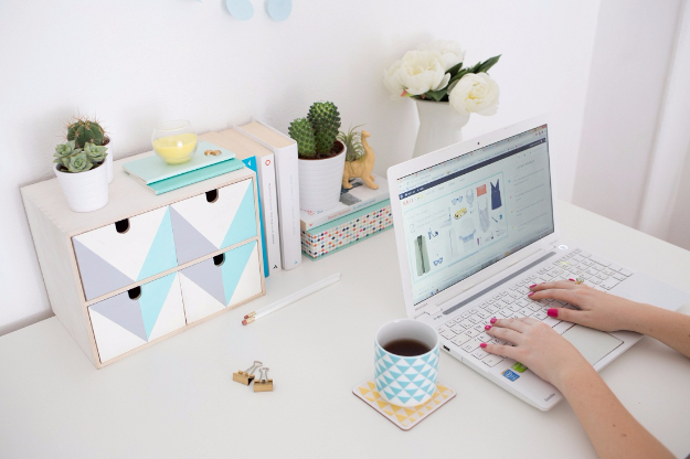 Best IKEA Hacks and DIY Hack Ideas for Furniture Projects and Home Decor from IKEA - IKEA Desk Organizer Hack - Creative IKEA Hack Tutorials for DIY Platform Bed, Desk, Vanity, Dresser, Coffee Table, Storage and Kitchen, Bedroom and Bathroom Decor #ikeahacks #diy